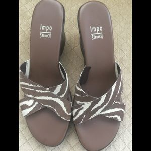 Impo stretch wedge ladies shoes